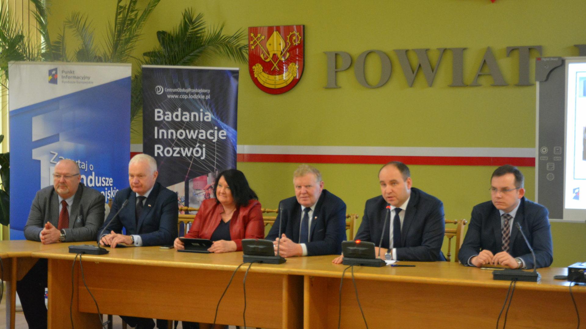 Wicemarszałek Województwa Łódzkiego Grzegorz Wojciechowski w Łasku
