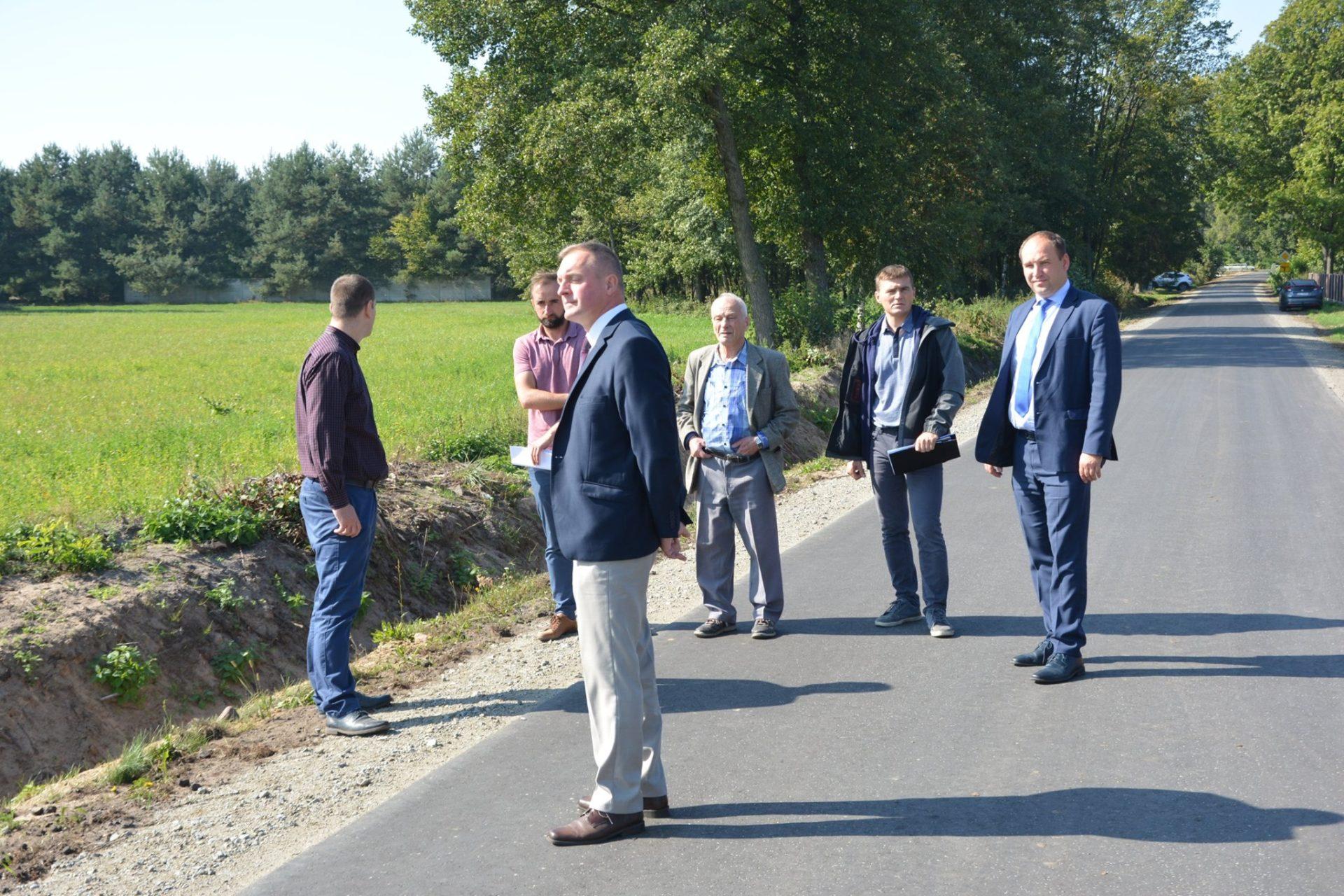 Odbiór końcowy drogi w miejscowości Piorunów
