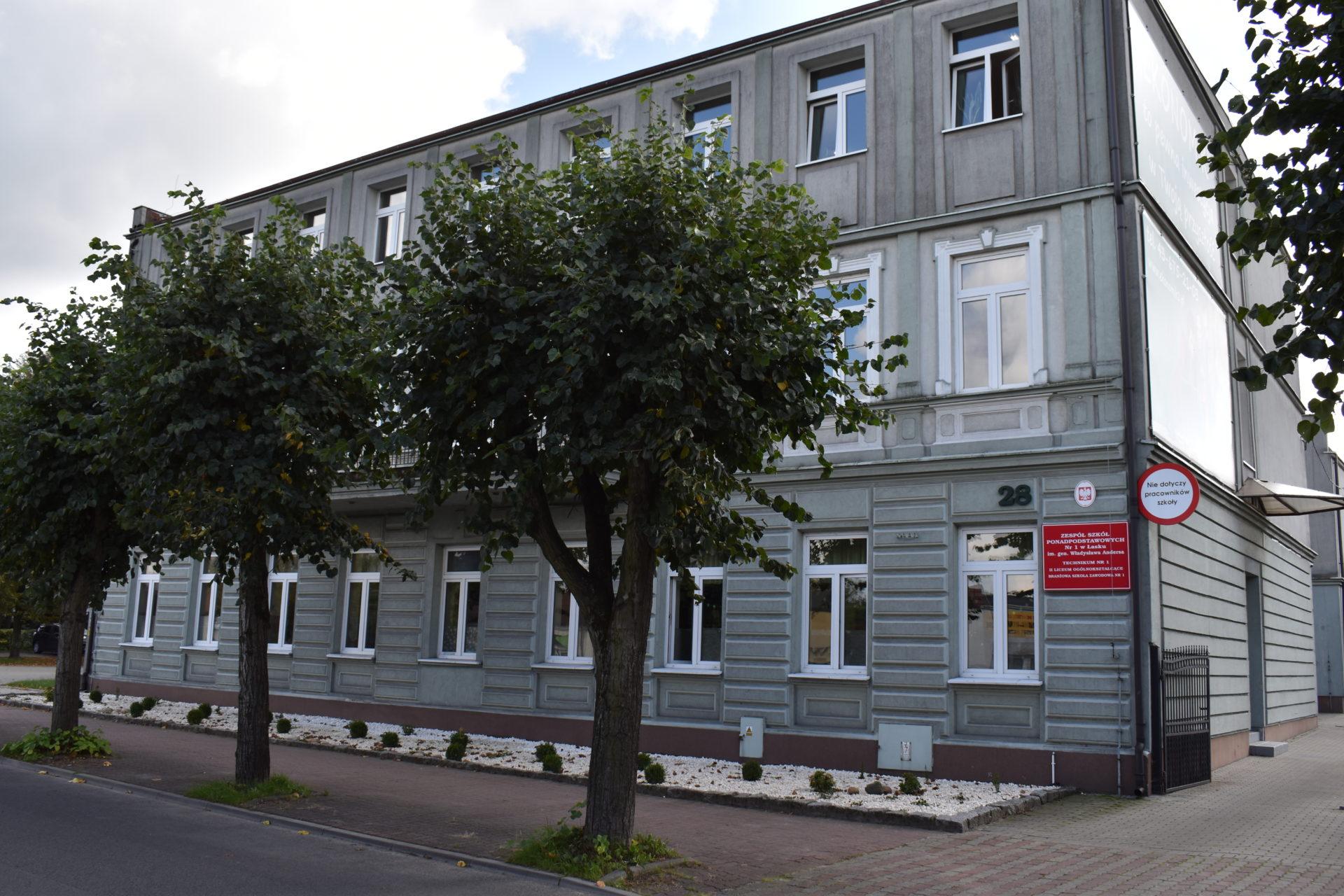 Zespół Szkół Ponadpodstawowych Nr 1 Im. Władysława Andersa w Łasku