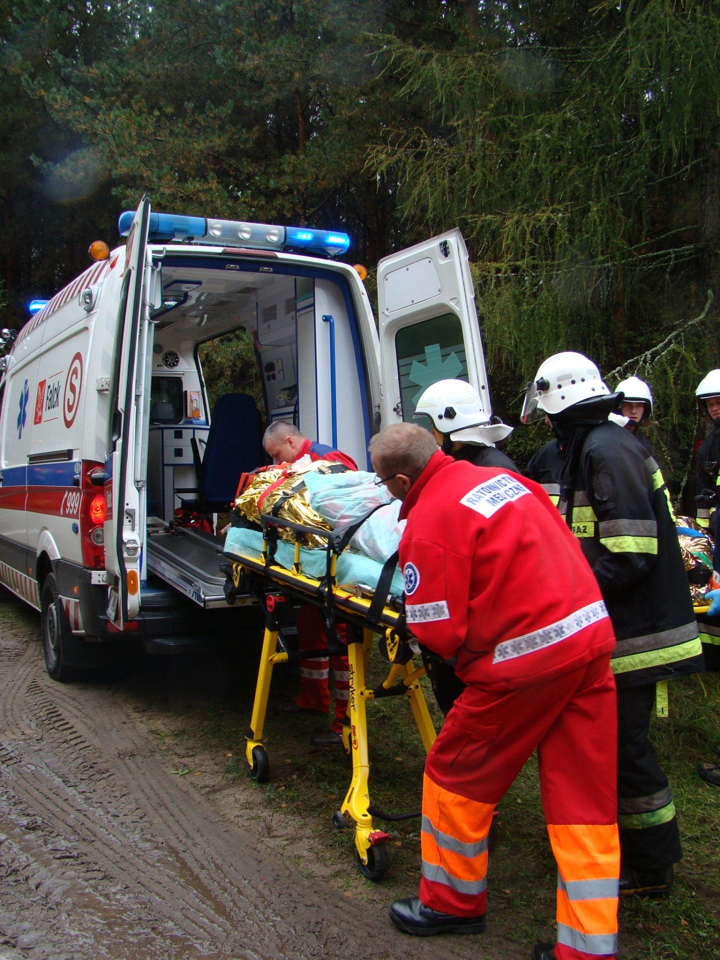 Wyjazdowe posiedzenie Powiatowego Zespołu Zarządzania Kryzysowego w Łasku połączone z ćwiczeniem powiatowym służb ratowniczych