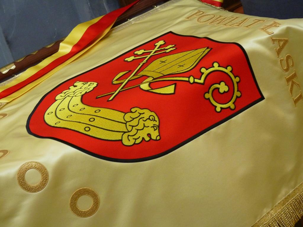 Powiat Łaski ma własny sztandar