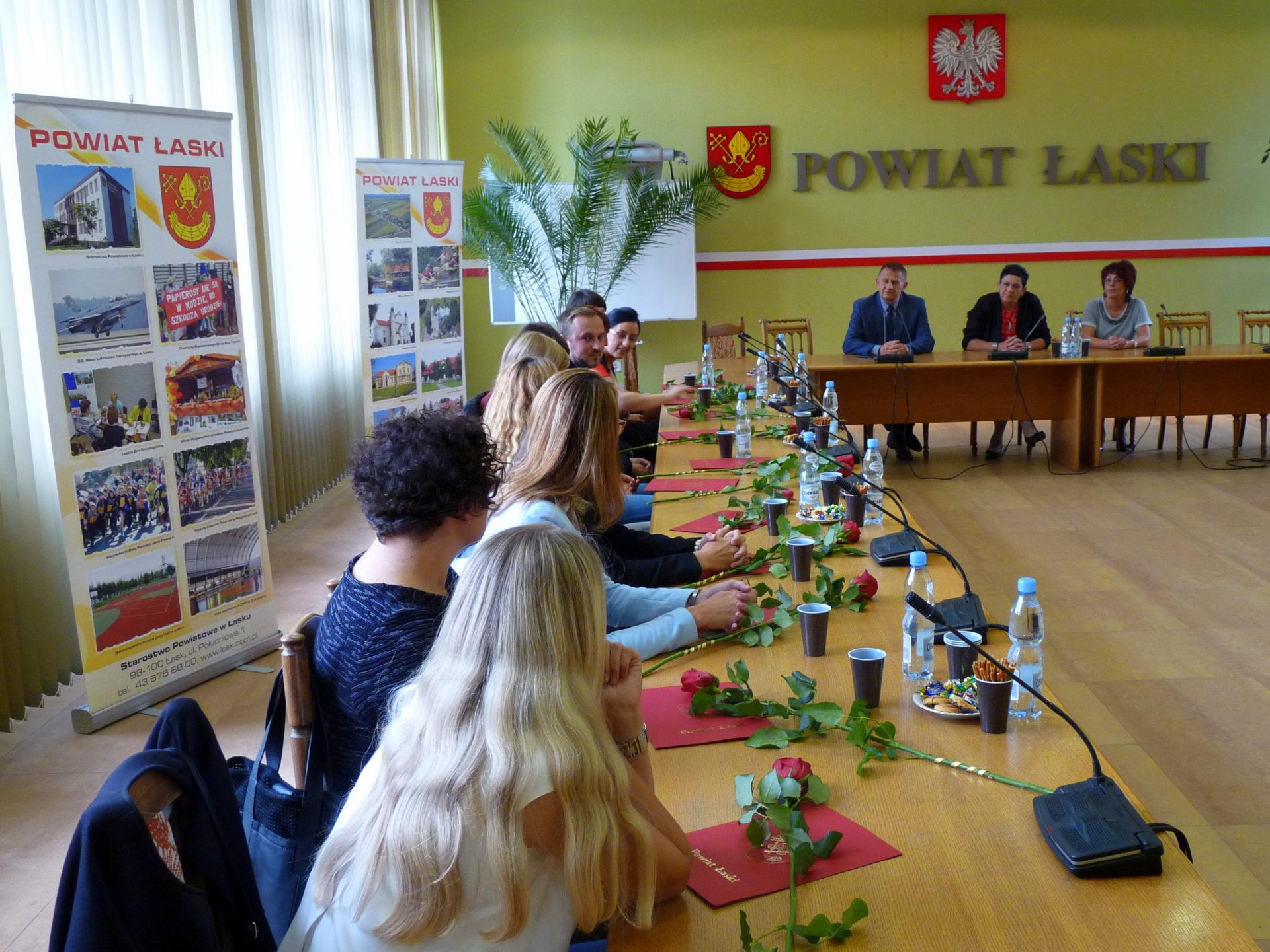 Spotkanie Starosty Łaskiego z nauczycielami awansowanymi