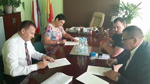 Umowa na przebudowę drogi Buczek-Luciejów podpisana