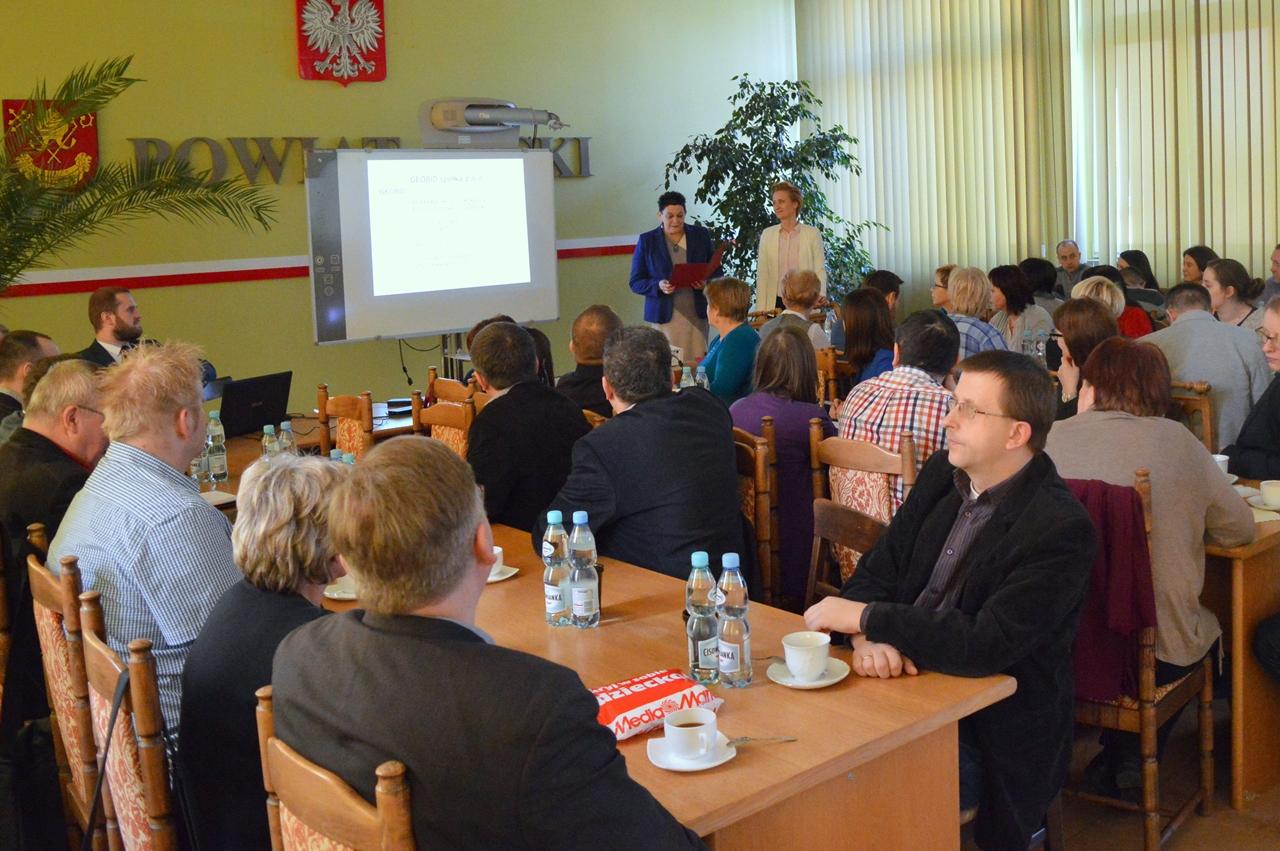 Geodeci szkolili się w Starostwie Powiatowym w Łasku
