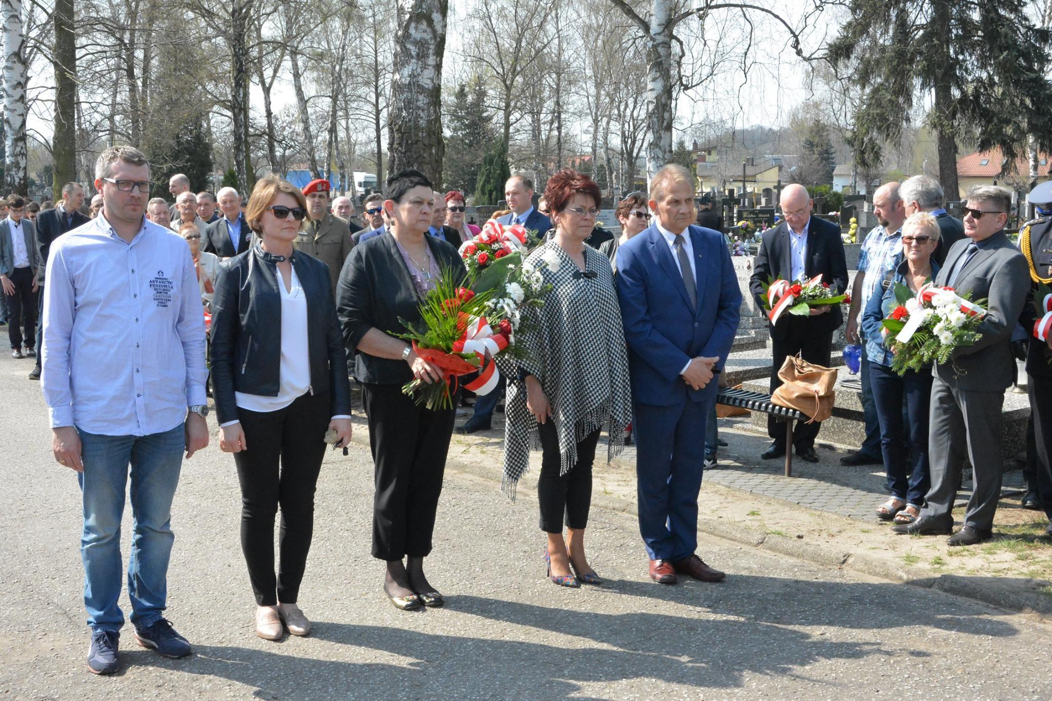Obchody 78. rocznicy zbrodni katyńskiej w Łasku